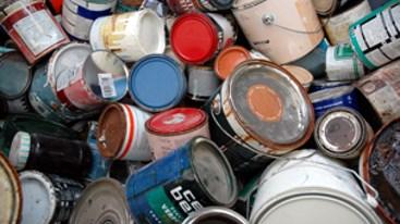 Klein chemisch afval inzameling